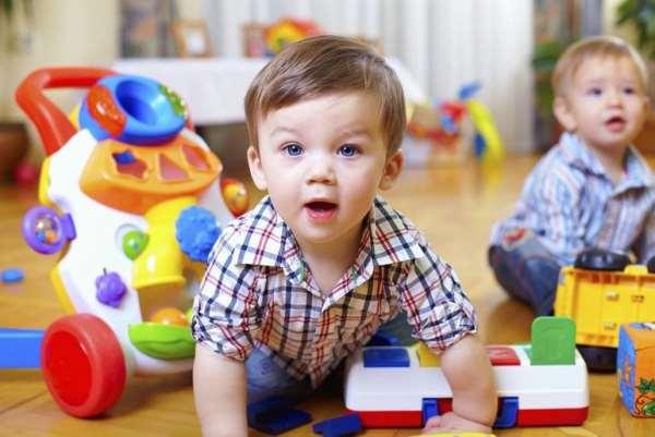 Игрушки для двухмесячного ребенка