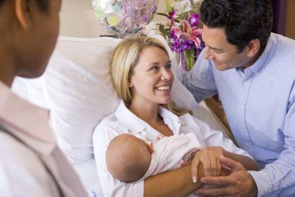 Выписка новорожденных из роддома: немного о главном