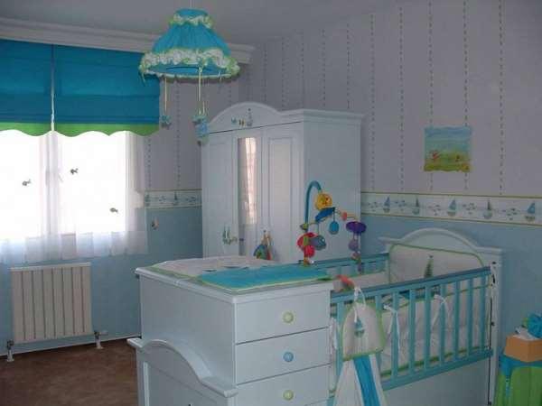 Какая нужна кроватка для новорожденных