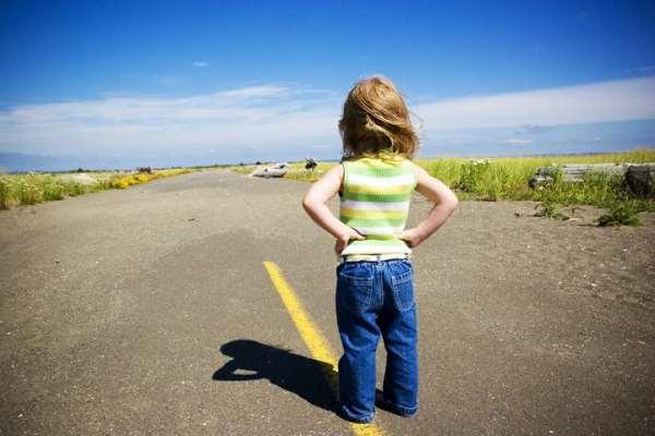 Как научить ребенка безопасному поведению на дороге