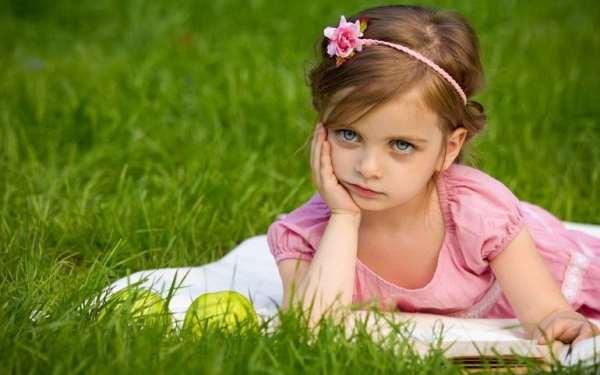 Стоит ли прокалывать ушки в раннем возрасте