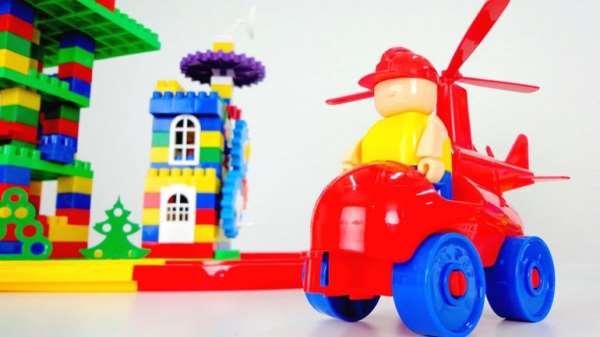 Зачем нужны конструкторы и другие развивающие игрушки?