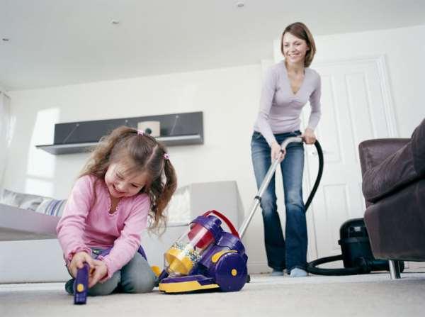 Маленькие советы: как приучить ребенка к домашней работе