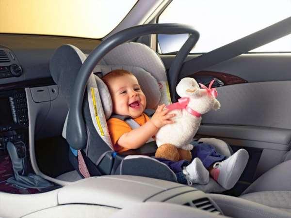 Как для ребенка сделать комфортной поездку в автомобиле?