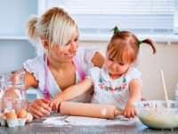 Маленькие помощники на кухне