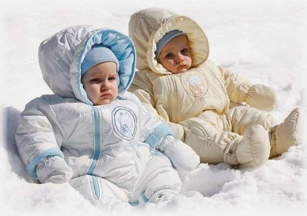 Как гулять с маленьким ребенком, когда на улице мороз