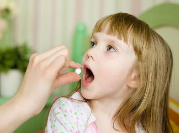Как дать ребенку горькую таблетку?