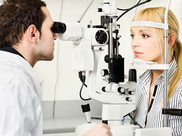 Консультации офтальмолога – возможность избежать множества серьезных недугов