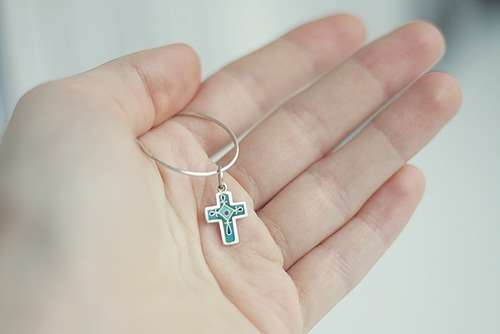 Где купить стильный и качественный нательный крест для ребенка