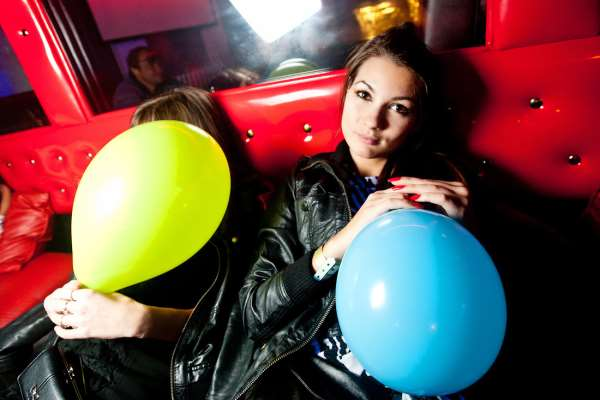ФанГаз – баллоны с веселящим газом с шариками в подарок
