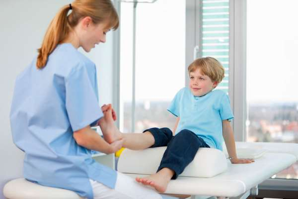 Лечением каких недугов занимается детский травматолог