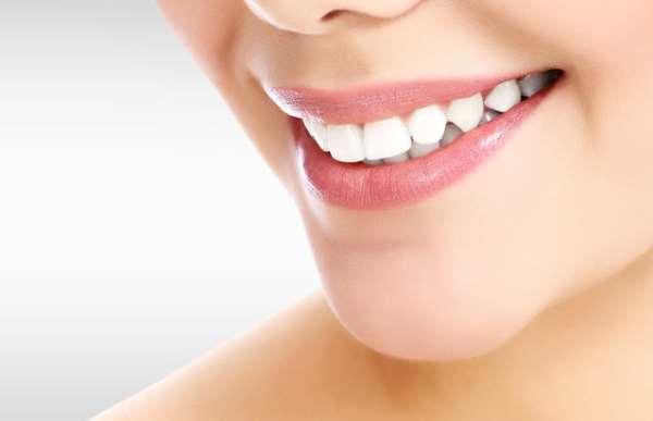 """Профессиональная услуга отбеливания зубов от мастеров компании """"Зубастик"""""""