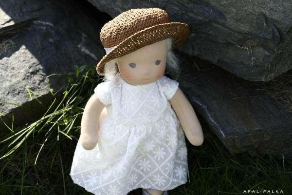 Вальдорфская кукла как оригинальный подарок для ребенка