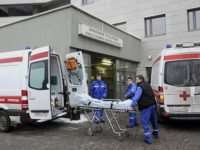 Как перевезти лежачего больного, если в больнице отказываются предоставлять транспорт?