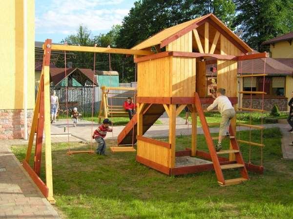 Грамотный подход к обустройству детской площадки для дачи