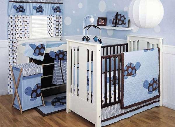 Как выбрать безопасную детскую кроватку для новорожденного?