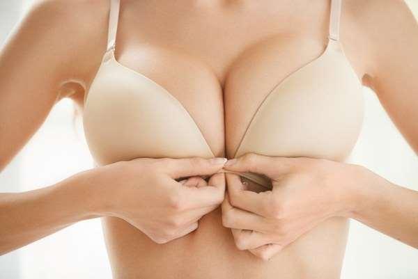 Большая и красивая грудь благодаря клинике Боровиков и Томаров