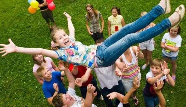 В какой детский лагерь лучше оформить ребенка