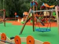 Безопасные карусели для детских площадок – какие они?