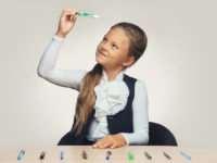 Как выбрать школьнику удобную ручку?