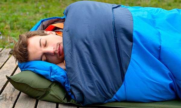 Широкое многообразие разновидностей спальных мешков для путешествий