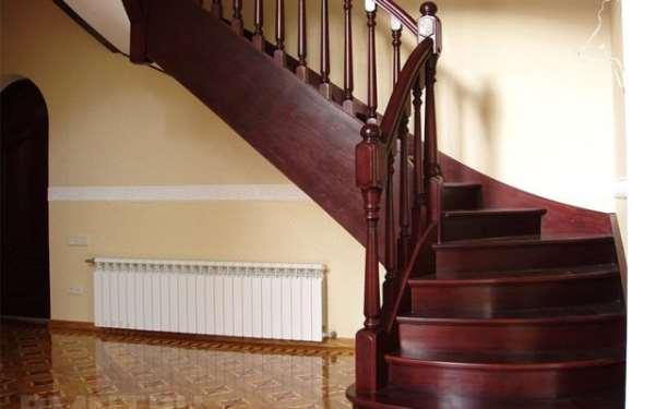 Почему лучше всего выбирать исключительно деревянные лестницы?