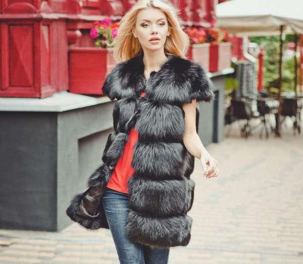 Жилетки из чернобурки – главный тренд 2018
