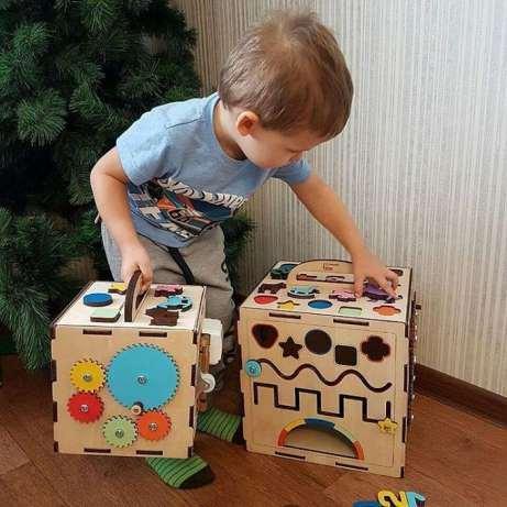 Что представляют собой бизикубы для малышей