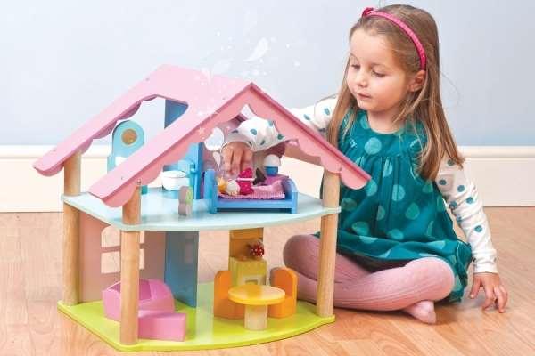 Какие игрушки подарить своей девочке на новый год?