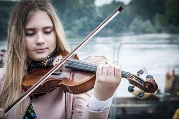 Музыкальная школа в Москве   легкое обучение игре на музыкальных инструментах