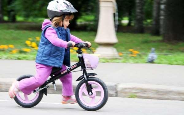 Детские беговелы – лучший способ научить ребенка удерживать равновесие