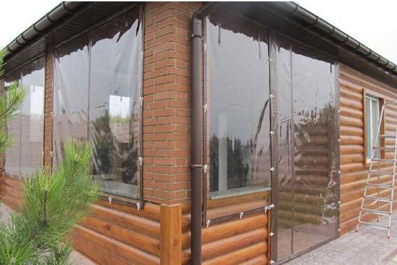 Мягкие окна – долговечность и простота установки