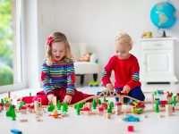 Учимся выбирать детские игрушки