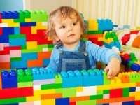 Выбираем детские конструкторы из разных материалов