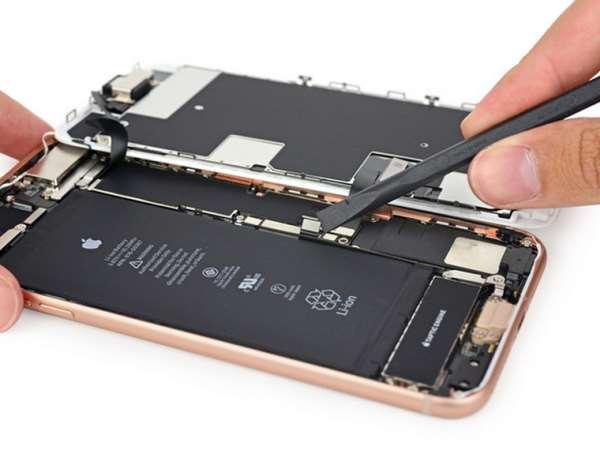 Показания для ремонта динамика iPhone 8 и к кому обращаться?