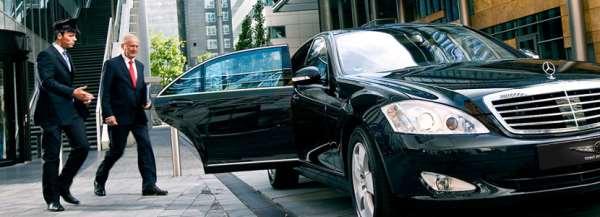 Аренда автомобилей представительского класса: что нужно?