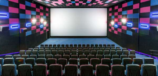 Поход в кинотеатр как способ отдохнуть