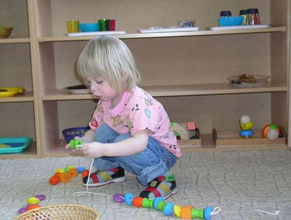 Особенности развивающих игрушек для детей