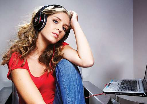 Популярные актуальные треки на портале «Ajoyib»