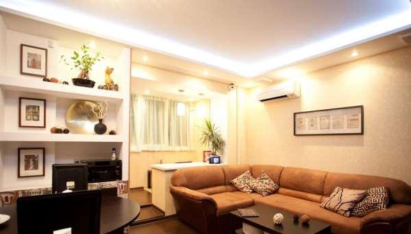 Большой интернет магазин с освещением для дома
