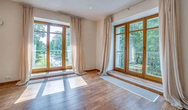Реализация актуальных окон и дверей из дерева