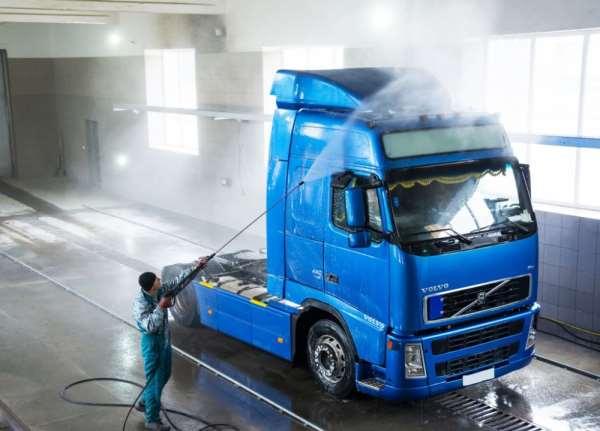 Как проводится мойка грузового транспорта?
