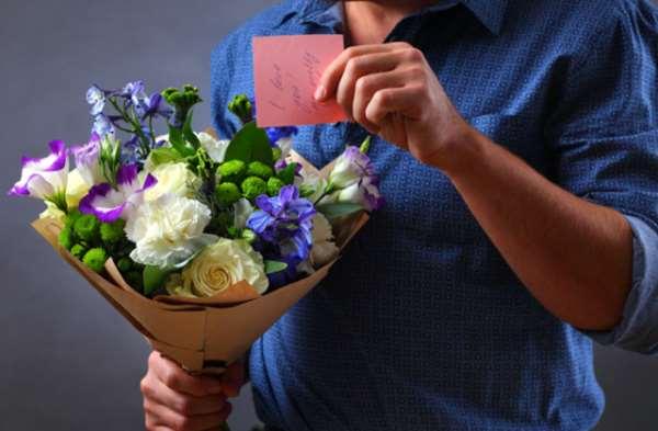 В честь чего можно вручить букет цветов?