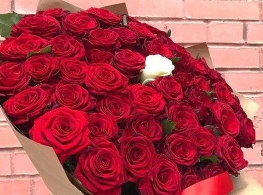 Букет цветов — подарок для любимых женщин